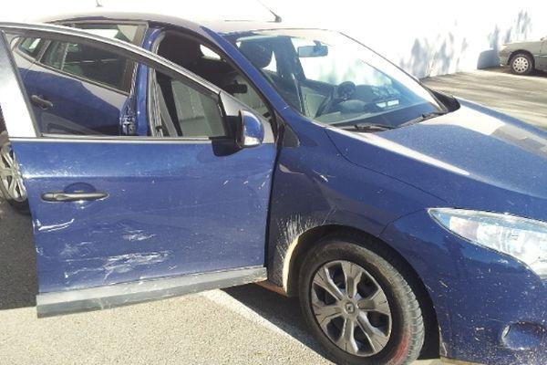 Vauvert (Gard) - voiture de PSIG accidentée lors de la fuite des 4 malfaiteurs - 15 octobre 2012.
