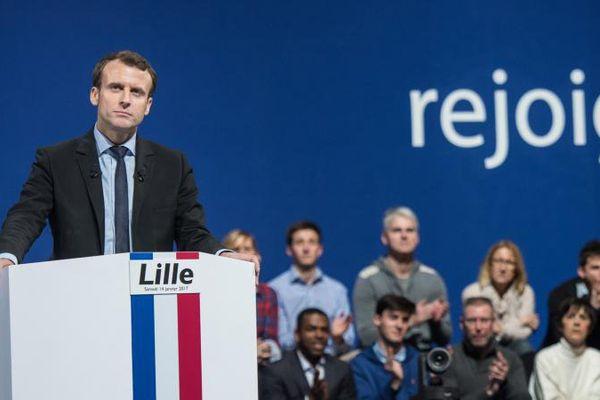 Emmanuel Macron, candidat à l'élection présidentielle, en meeting à Lille, le 14 janvier 2017.