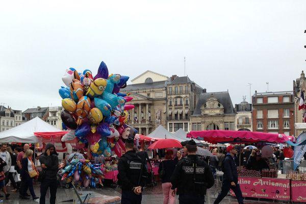 Avec le temps morose, l'annulation de la braderie de Lille et le lourd dispositif de sécurité, la braderie de Saint-Quentin n'a pas connu un franc succès