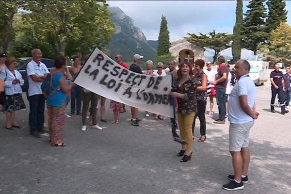 Les habitants de la commune de Sainte-Agnès ne veulent pas d'un centre d'accueil pour les migrants mineurs sur le territoire de leur commune.