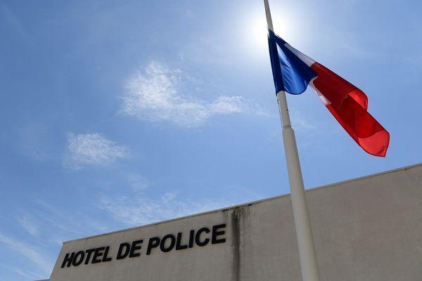Quatre personnes ont été placées en garde à vue au commissariat d'Avignon : le tireur présumé, son complice, son chauffeur ainsi que la sœur du principal suspect.