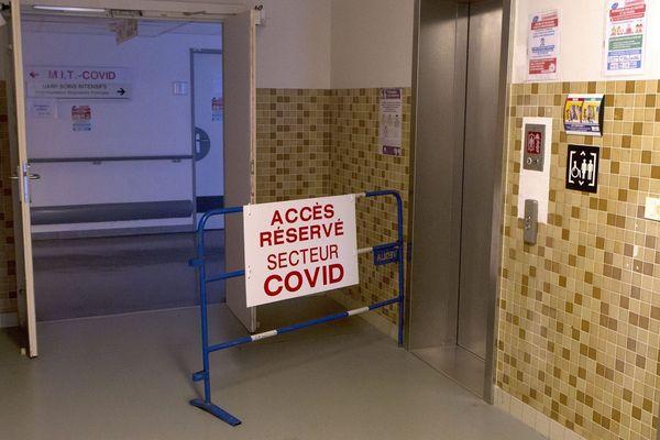 Entrée du secteur Covid au CHU de Montpellier.