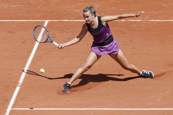 Clara Burel lors du premier tour en simple du tournoi Open du Grand Chelem sur terre battue de Roland Garros - 30 mai 2021