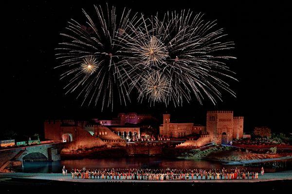 El Sueno deToledo spectacle nocturne de Puy du Fou Espagne a accueilli 120 000 visiteurs depuis sa création.