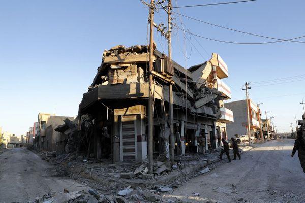 26 novembre 2016 dans la ville de Qaraqosh, à 30 km à l'est de Mossoul, après des frappes iraquiennes contre l'État islamique.