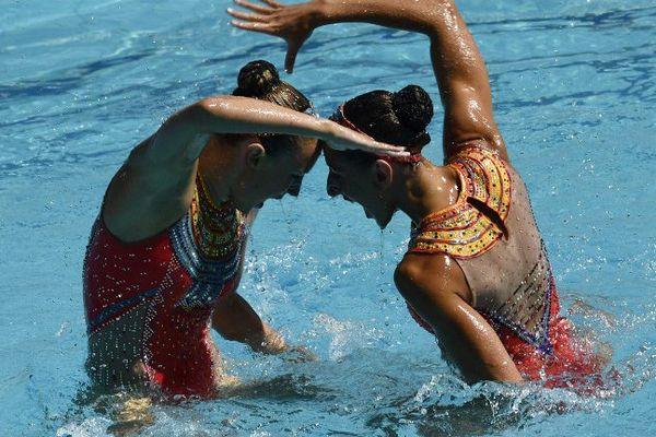 Laura Augé et Margaux Chrétien. Les deux Françaises forment depuis quatre ans le prestigieux duo, le summum de la natation synchronisée.