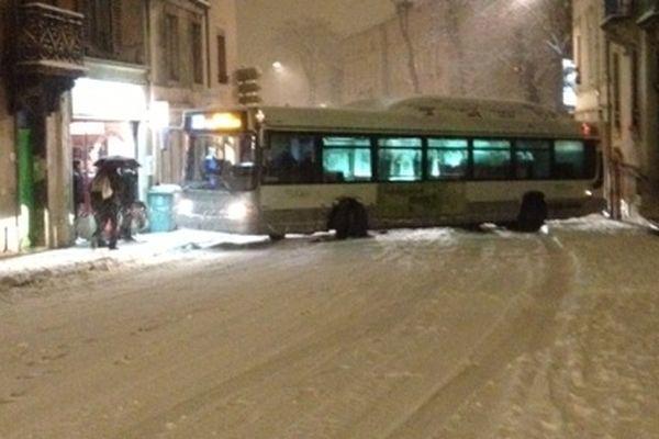 Bus en difficulté à Villers-lès-Nancy (54) mardi 15 janvier 2013