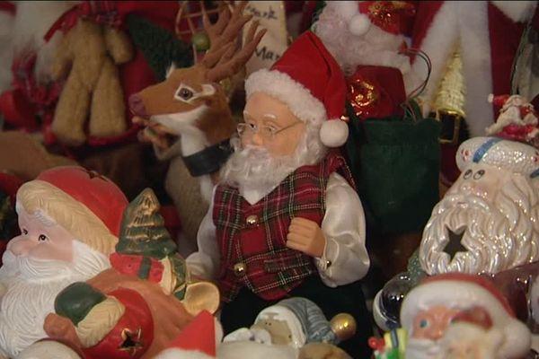La collection de pères Noël d'Isabelle Jung à Sondernach.