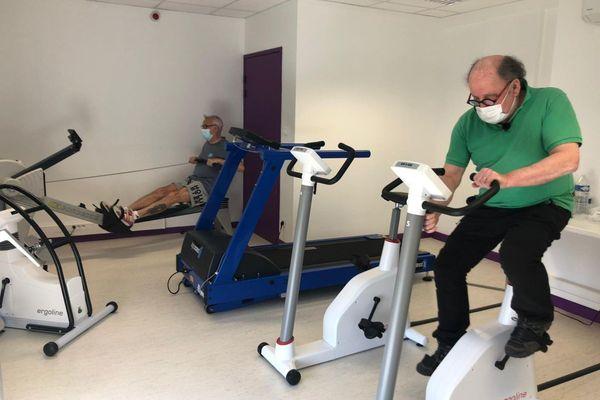 Près de Clermont-Ferrand, les patients qui souffrent de COVID sont pris en charge dans une unité pour une durée de 6 semaines.