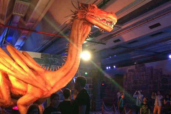 """Des dragons grandeur """"nature"""", à l'exposition Dragonland, porte de Versailles, à Paris."""
