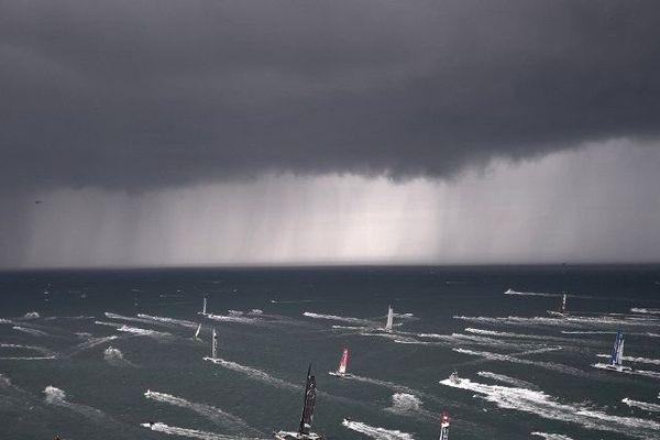 Les départ de la Route du Rhum dimanche, à Saint Malo. Cinq des 91 navigateurs ont déjà dû abandonner la course
