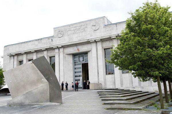 Le mis en cause sera jugé en octobre devant le tribunal de Béthune. (illustration)
