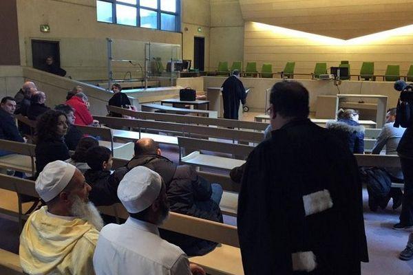 Attaque de la mosquée du Mans, quelques minutes avant le début de l'audience