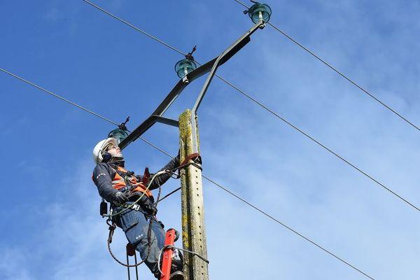 Environ 5 500 foyers auvergnats ont été privés d'électricité en raison des intempéries.