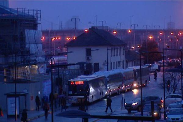 Les TER et TGV français ne vont plus au-delà de Thionville jusqu'à nouvel ordre. Le reste du voyage se fait en TER CFL ou par bus.