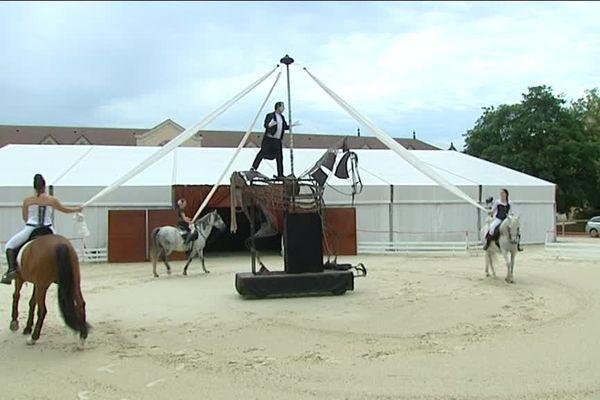 Le Haras National de Cluny a travaillé son nouveau spectacle équestre avec l'appui d'un metteur en scène et d'un comédien