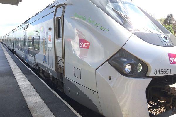 L'un des 15 TER qui fonctionnera au colza sur la ligne Paris-Granville.