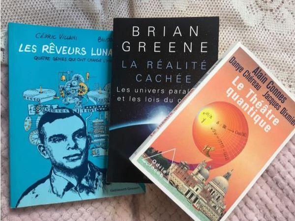 Des livres de sciences.
