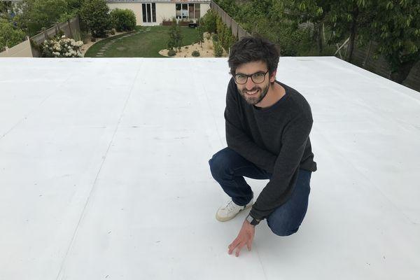 Maxime Claval, le fondateur d'Aircool sur un de ses chantiers à Nantes.