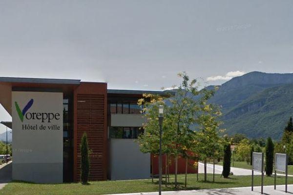Le maire de la ville de Voreppe en Isère est confiné chez lui pendant 14 jours en raison du coronavirus