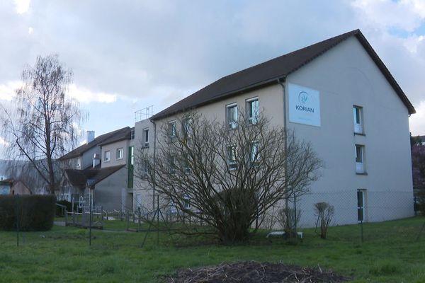 À l'EPHAD de Thise, dans le Doubs, un tiers des pensionnaires est mort des suites du Covid-19.