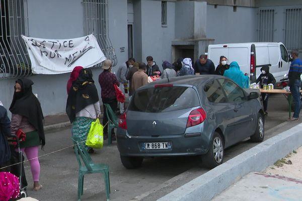 Covid-19 : la solidarité s'organise dans le quartier de la Maison Blanche à Marseille (13)