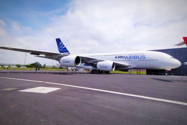 Déjà considéré comme une légende de l'aéronautique, l'Airbus A 380 a été la star incontestée à l'occasion de la réouverture du musée Aeroscopia à Toulouse.