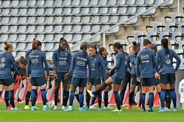 L'équipe de France féminine de foot à l'entraînement le 3 octobre 2019 au stade des Costières, à Nîmes.