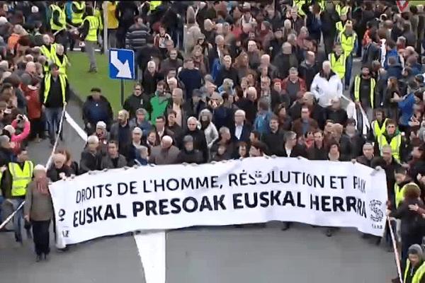 Les familles des prisonniers basques ouvraient la marche à Bayonne le 9 janvier 2016