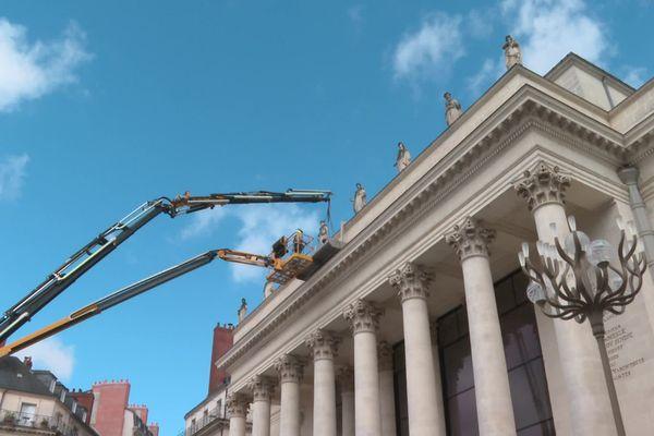 Le théâtre Graslin à Nantes se prépare à accueillir le Rideau, l'une des oeuvres du VAN 2020