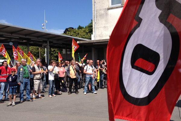 Les cheminots réunis en AG, ici à Nantes, ont voté la reconduction de la grève