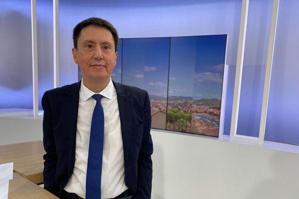 """Hervé Caël s'est engagé en 1983 dans le """"Mouvement des jeunes giscardiens""""."""