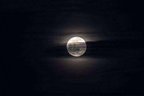 """Une """"super Lune"""" sera visible dans la nuit du 26 au 27 avril 2021 en Alsace."""