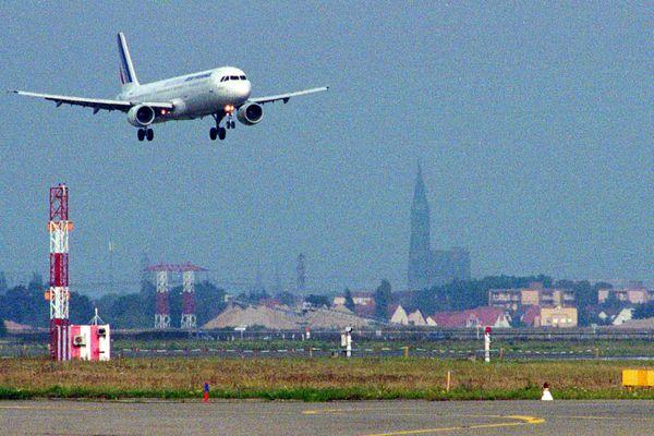 Un avion Air France atterri à l'aéroport d'Entzheim