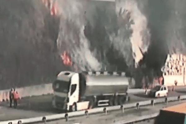 Le feu s'est déclaré dans un véhicule 4X4 dans la matinée.