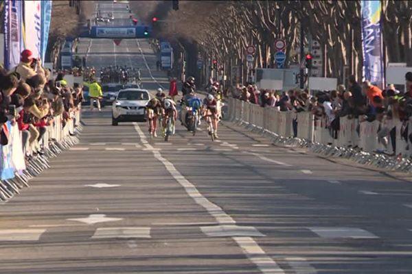 Arrivée du Grand Prix La Marseillaise devant le stade Vélodrome de Marseille