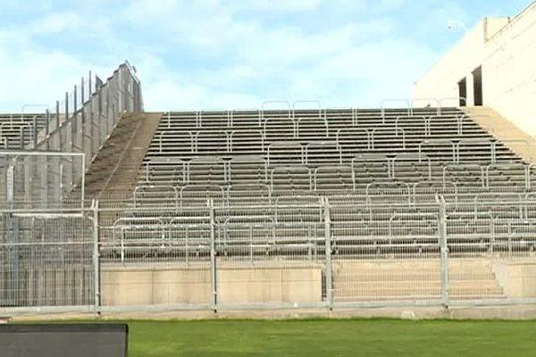 Nîmes - la tribune visiteurs vide du stade des Costières - archives