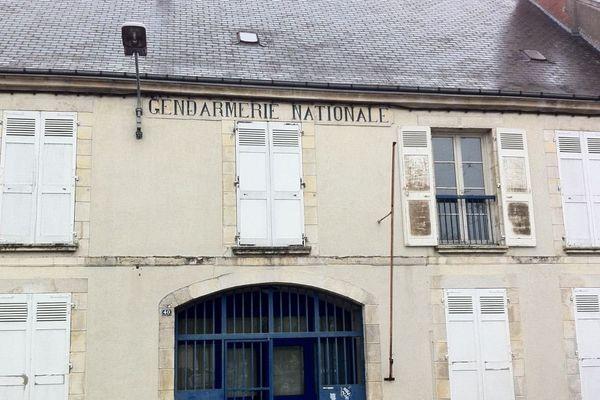 L'ancienne gendarmerie d'Issoudun est aujourd'hui à vendre.
