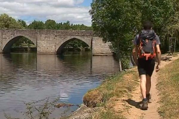 Les pèlerins n'ont pas toujours traversé Limoges, préférant parfois la variante par Rocamadour.