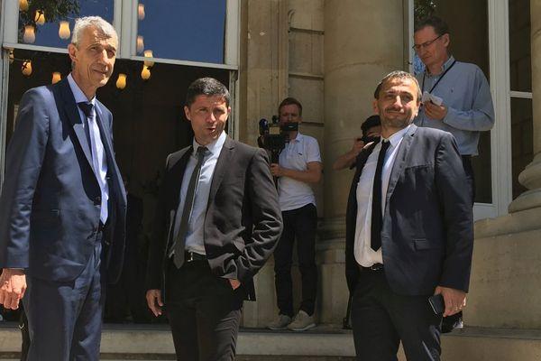 Les trois nouveau députés nationalistes lors de leur rentrée administrative vendredi 23 juin à l'Assemblée nationale.