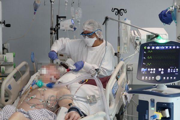 En mars, en l'espace de dix jours, le service de réanimation de l'hôpital Emile Muller a été submergé par les patients covid