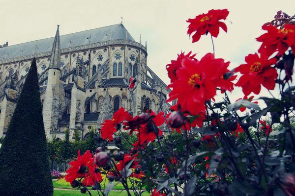 """La cathédrale de Bourges, """"le joyau de la couronne"""" selon Forbes."""