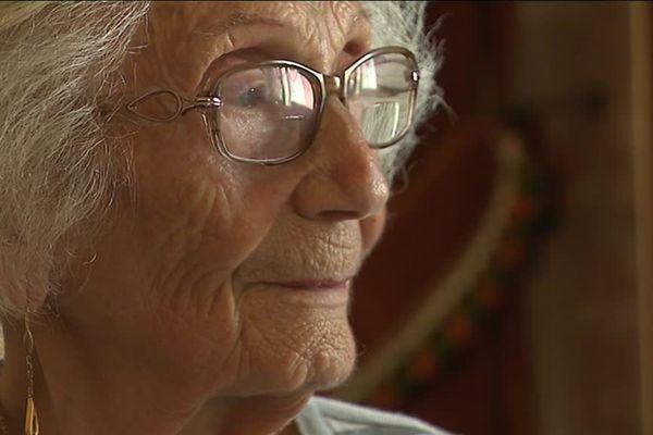 Jacqueline Teyssier a 95 ans. Elle avait 20 ans quand elle a été internée au camp d'Auschwitz, au même moment que Simone Veil.