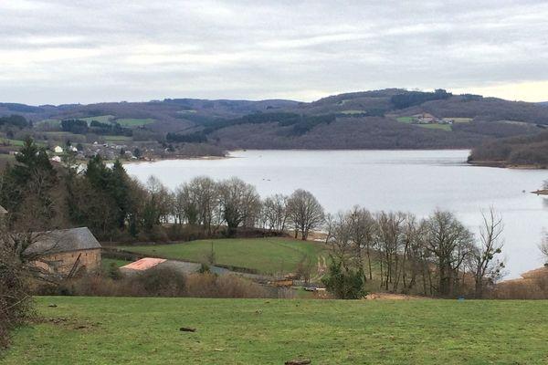 Le lac de Pannecière en janvier 2018.