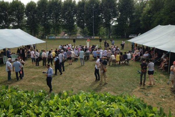 Entre 100 et 200 personnes étaient présentes à la 45e fête de la Rose de Frangy-en-Bresse, dimanche 27 août 2017, contre 4 000 en 2016