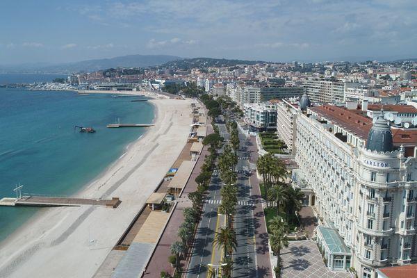 Une famille de région parisienne testée positive au Covid-19 est en quatorzaine dans hôtel de Cannes (Alpes-Maritimes)