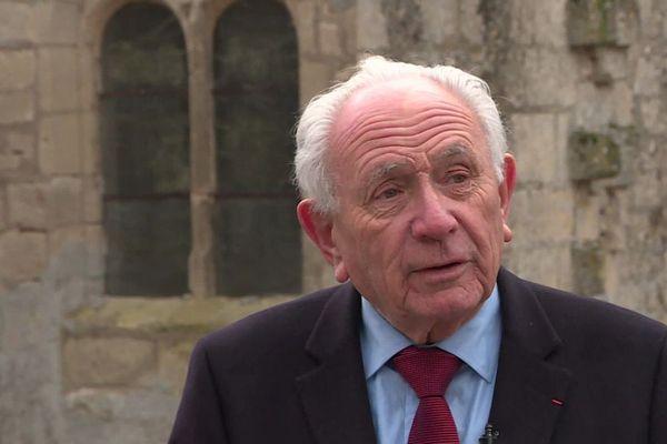 Plus ancien maire de France, ex-président du conseil départemental de l'Aisne et sénateur honoraire, Paul Girod est mort dans la nuit du 27 au 28 septembre 2021 chez lui à Droizy dans l'Aisne.