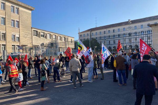 À Angoulême une centaine de manifestants présents devant la cité administrative