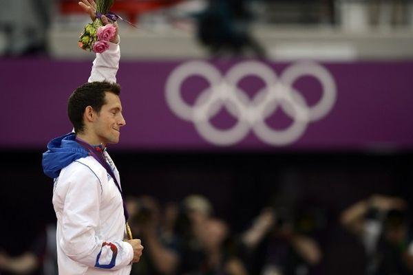 Après avoir remporté l'or olympique à Londres en août 2012, Renaud Lavillenie a été élu deuxième meilleur athlète européen de l'année derrière le britannique Mo Farah, par l'Association Européenne d'Athlétisme.