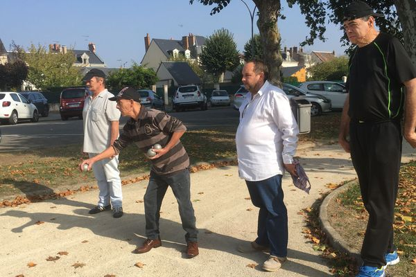 32 des 42 résidents des Maisons Relais ASLD du Loir-et-Cher se sont retrouvés pour une journée pétanque